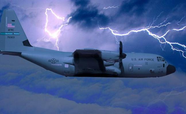 Los pilotos que 'cazan' huracanes como Irma: «Es como una noria, pero diez veces más rápida»