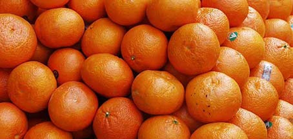 Muere una niña intoxicada con una mandarina