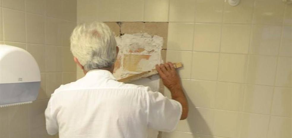 Los hospitales de Linares y Úbeda concluyen las obras de mejora realizadas este verano en sus dependencias