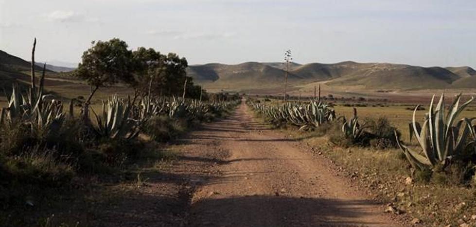 Organizan una ruta guiada por Rodalquilar para subrayar la figura de Carmen de Burgos
