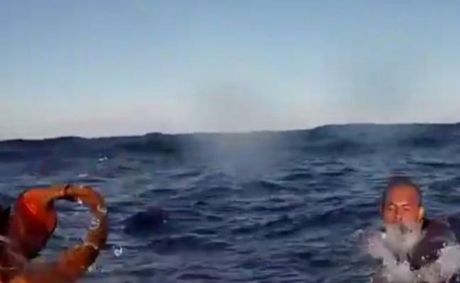 Buscan a seis desaparecidos en un naufragio de otra patera de la muerte