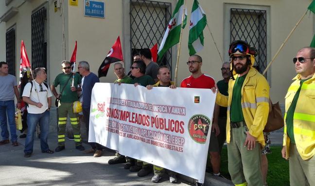 """Los bomberos del Infoca quieren ser empleados públicos """"de verdad"""""""