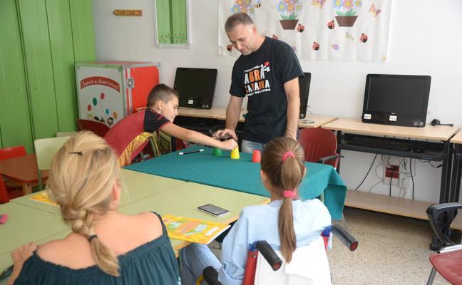 El Complejo Hospitalario de Jaén ha comenzado esta semana el curso escolar 2017-18 en su aula de enseñanza compensatoria