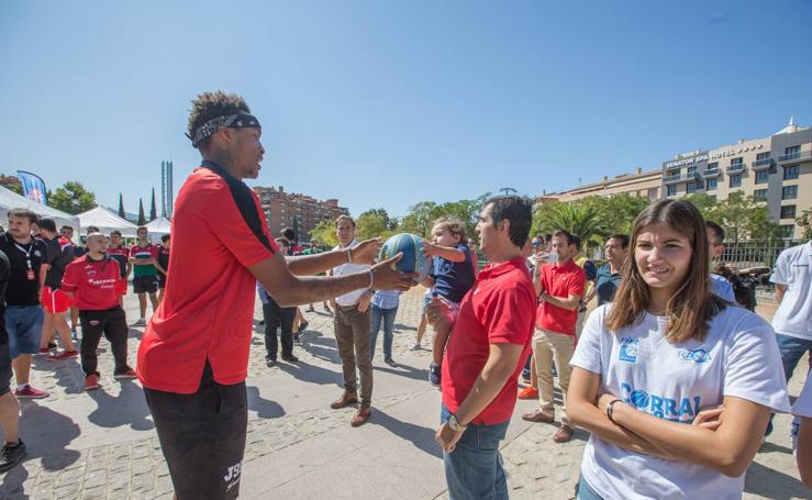 El Coviran Granada visita la fan zone del Circuito Movistar