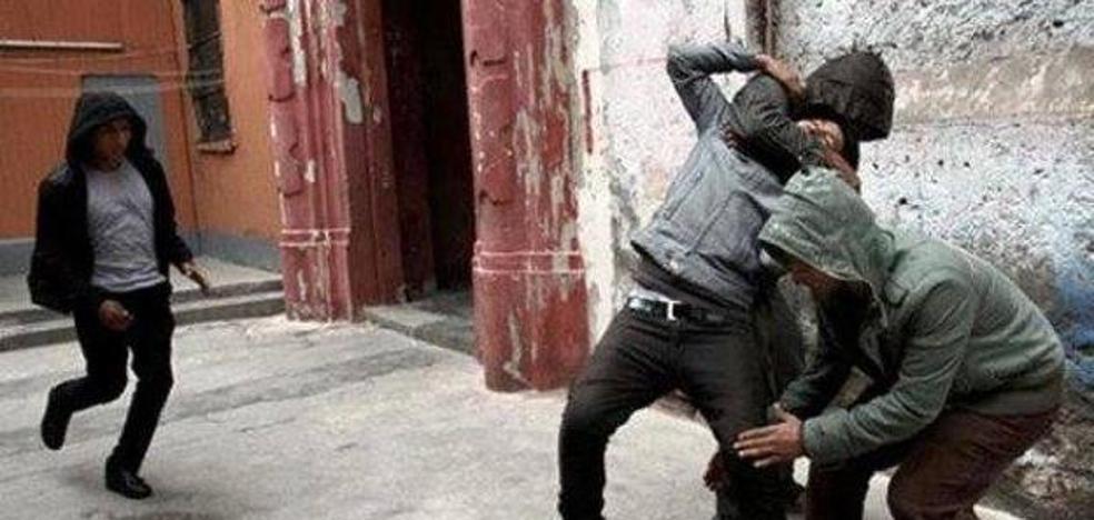 Alarma por el nuevo método de robo callejero: la Guardia Civil alerta de la frase que utilizan