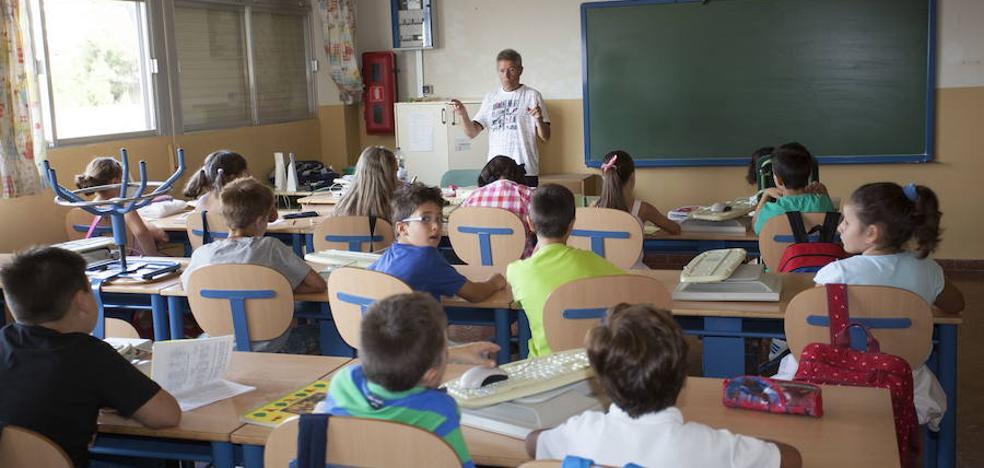 CSIF considera necesaria la incorporación de 8.000 docentes para bajar ratios