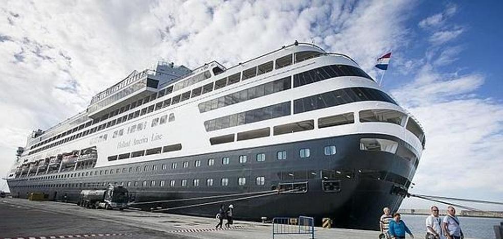 El Puerto de Motril contempla completar su oferta de cruceros con gastronomía y cultura a bordo