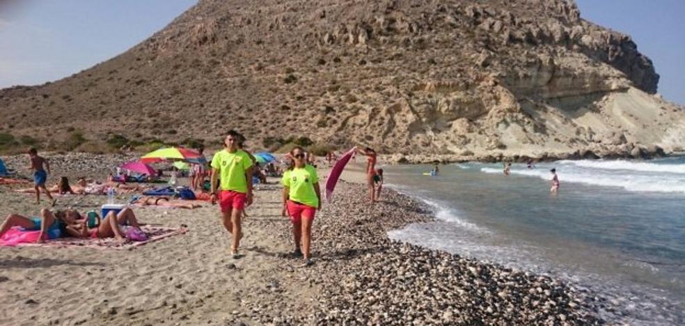 Las playas de Níjar cierran el verano con 'cero ahogamientos' por segundo año consecutivo