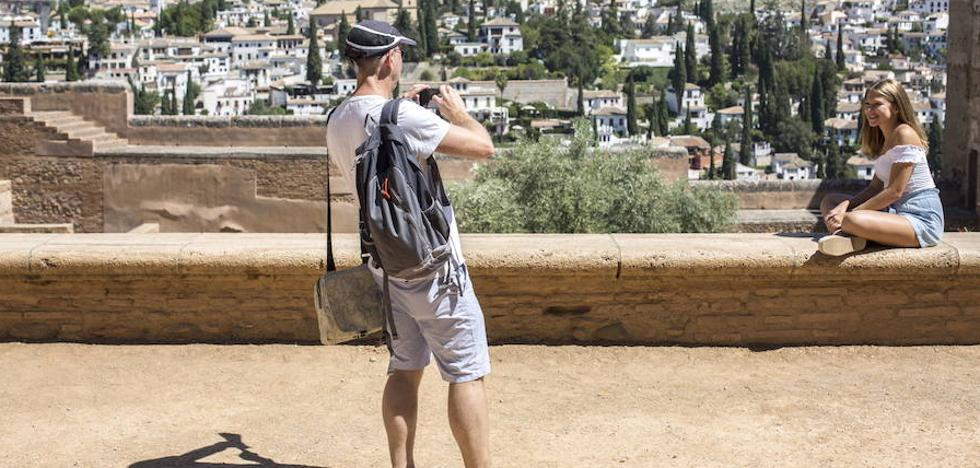 La Alhambra ofrece visitas guiadas gratuitas para granadinos y residentes en septiembre y octubre