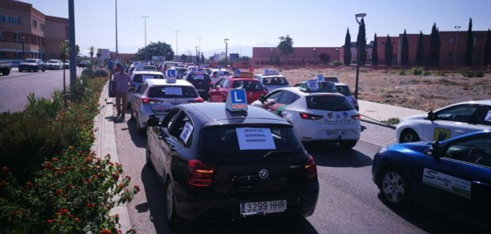 La huelga de examinadores de Tráfico provoca la suspensión de 3.700 pruebas en la provincia