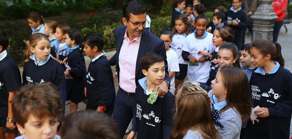 Arranca la primera ruta escolar segura que facilita que los menores se desplacen a pie