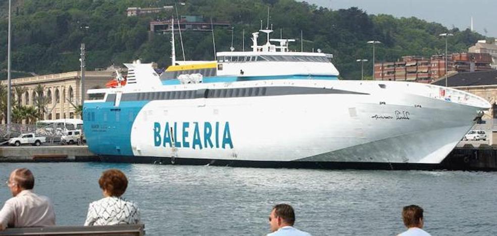 Ortiz confía en que Armas y Baleària no se vayan de Almería pese al concurso de la línea con Melilla