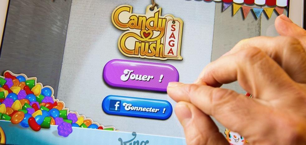 Las mujeres prefieren Candy Crush y los hombres el FIFA 17, según estudio