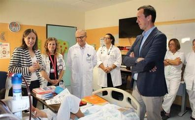 Unos 400 menores recibieron clases en las aulas hospitalarias de Torrecárdenas el pasado curso