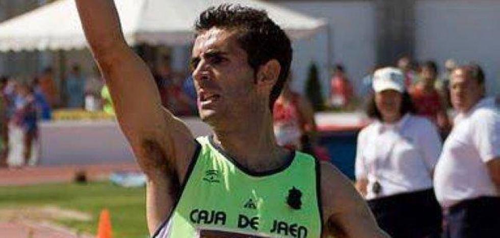 El Internacional Francisco Javier Lara se retira después de una trayectoria de 25 años