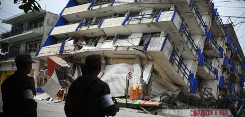 Bomberos de Almuñecar ayudan al rescate de personas en México