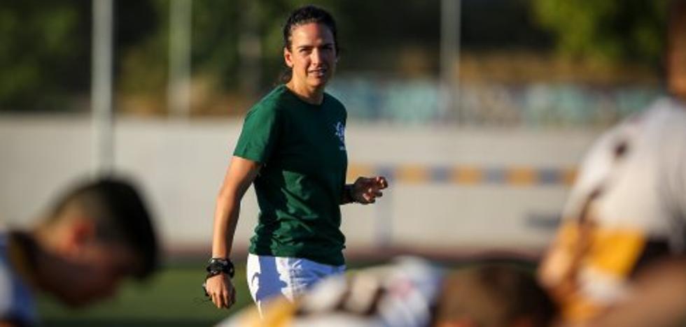 Alhambra Nievas, primera mujer que arbitrará un partido de selecciones masculinas