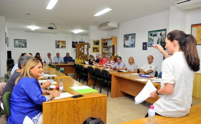 La Federación Himilce acoge unas jornadas para dar a conocer la 'Ley de Participación Ciudadana'