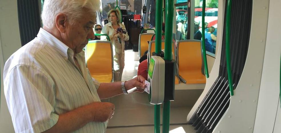 Jaén mira a Granada y su tranvía, ya en marcha desde hoy