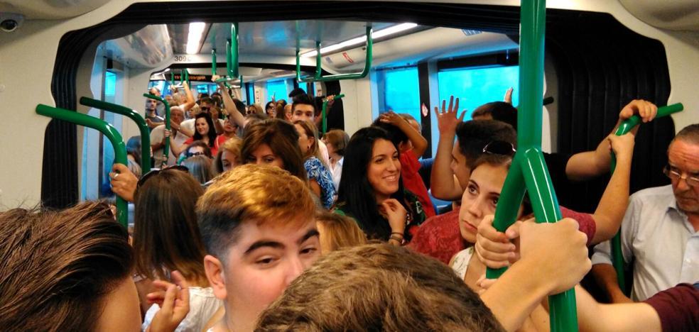 El metro, hasta los topes en la tarde del viernes