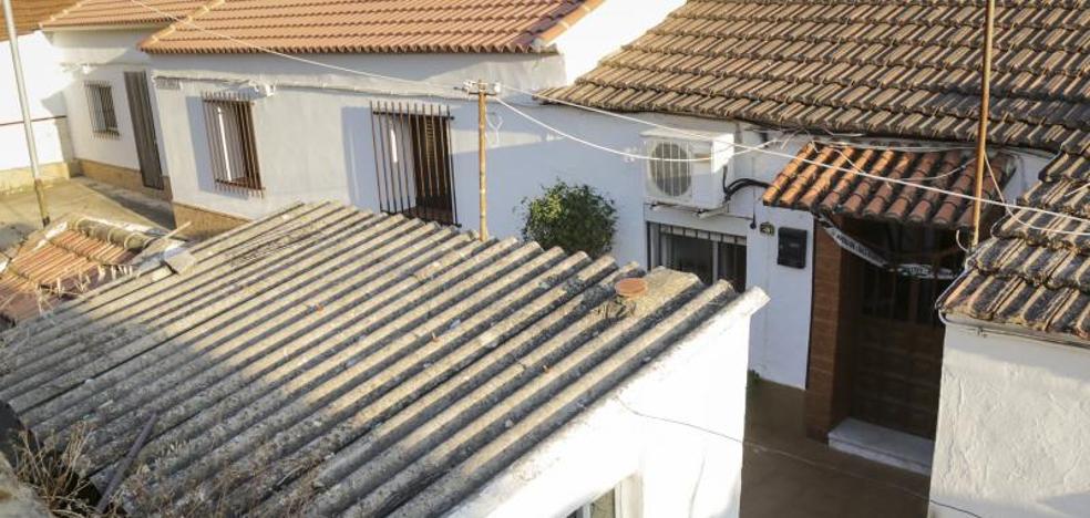 Los hijos de la fallecida en Huelva convivieron cinco días con los cadáveres