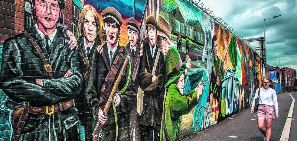 Belfast se sube por las paredes