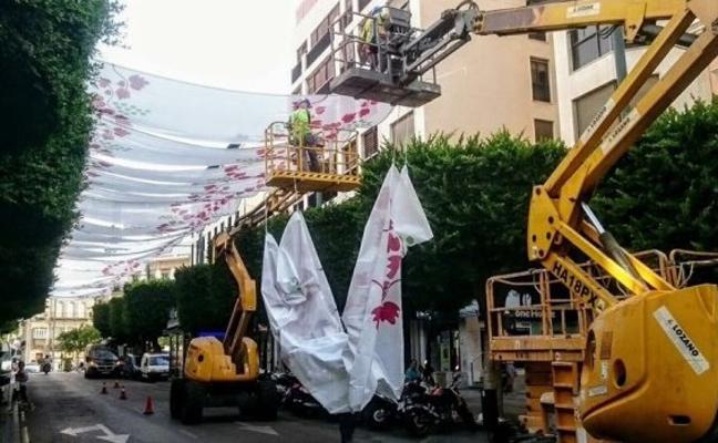El Consistorio ignoró un informe técnico que advertía de posibles daños por los toldos del Paseo en la Feria