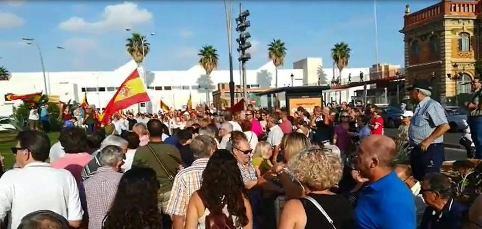 Emocionante despedida de Almería a la Guardia Civil