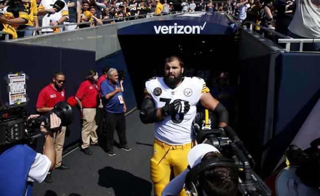 Alejandro Villanueva, el español que da oxígeno a Trump en la NFL