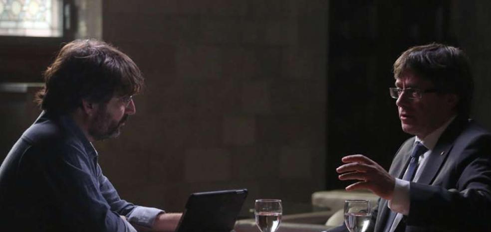 El tremendo 'zasca' de Jordi Évole a Puigdemont sobre la independencia incendia la Red