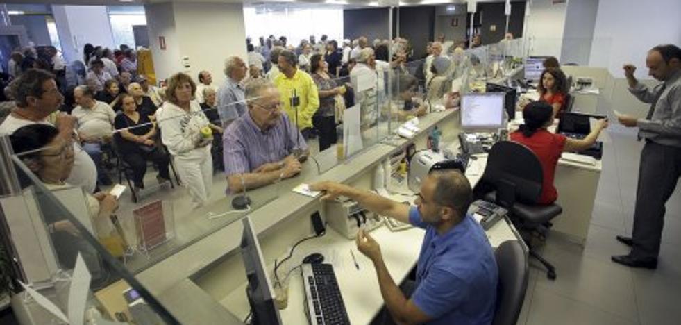 2.300 empleados de banca se examinarán para obtener un título obligatorio de asesor