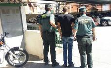Dos detenidos por robar y agredir a un anciano en su casa de Torres
