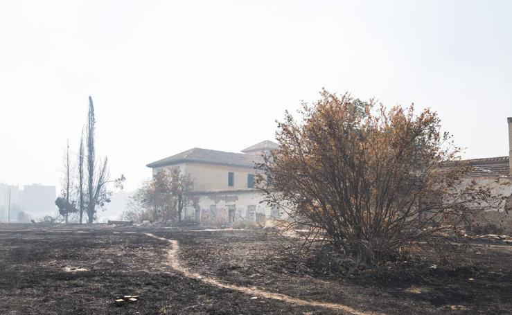 El humo de las quemas agrícolas cubre el cielo de Granada