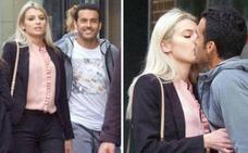 El futbolista Pedro anuncia su divorcio tras ser sorprendido besando a otra mujer