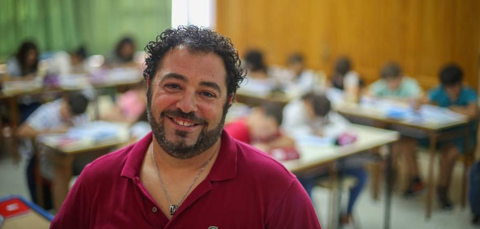 Un maestro granadino, nominado al mejor docente de España