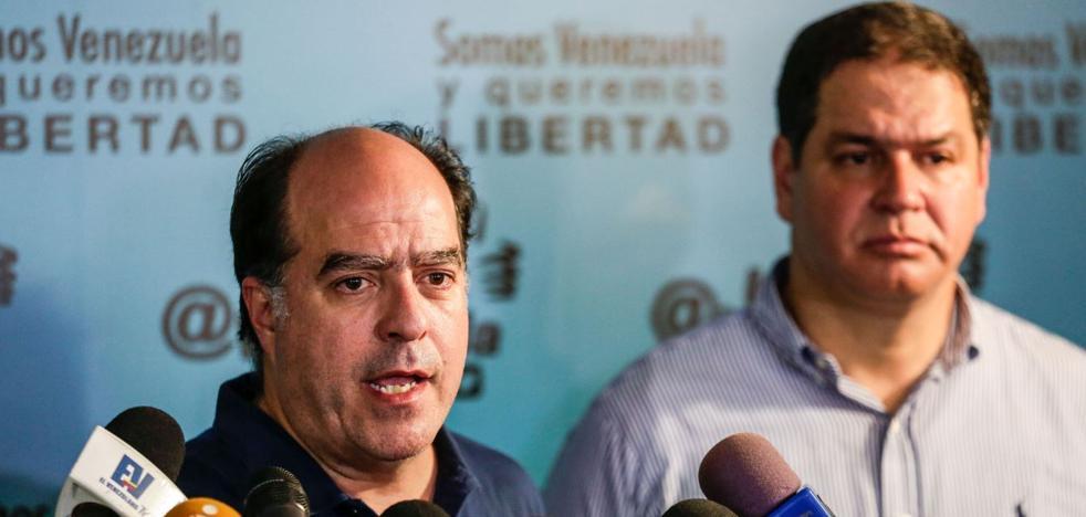 La oposición venezolana depone el diálogo y se aferra a los comicios como vía de cambio