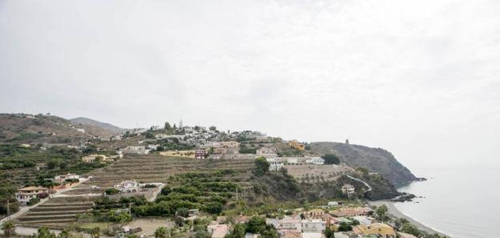 La Costa aprovecha que el TSJA suspende el blindaje del litoral para tramitar 1.600 casas y hoteles vetados