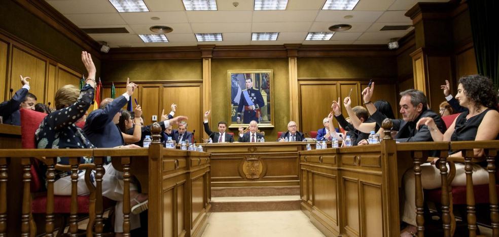 PP aprueba el convenio de mejora de la base de la Legión pese a la negativa de la oposición