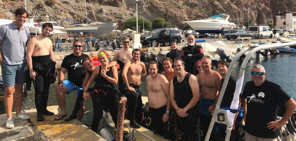 Cerca de medio centenar de participantes en la Aventura Submarina 'Costa de Almería'