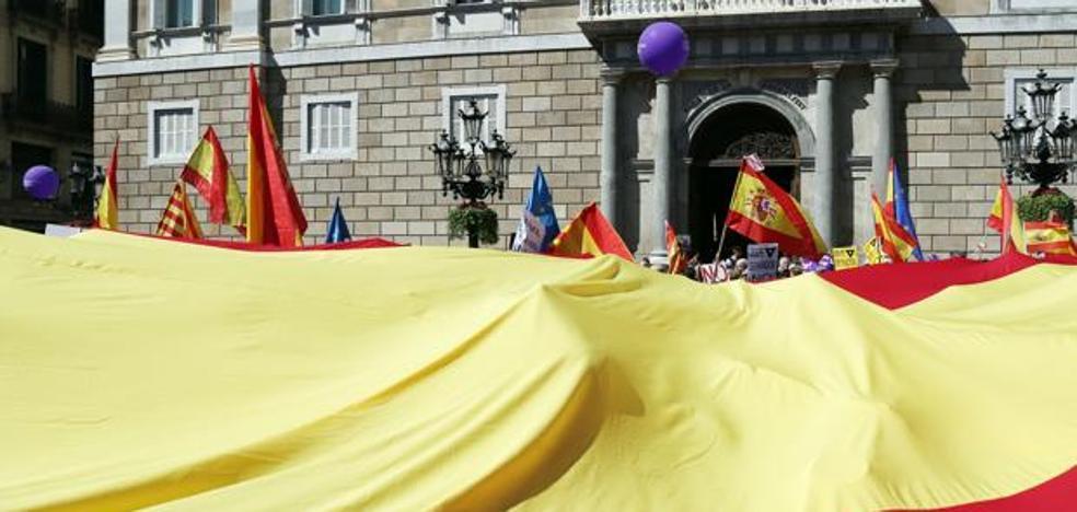 Sociedad Civil Catalana llama a los no secesionistas a reconquistar la calle