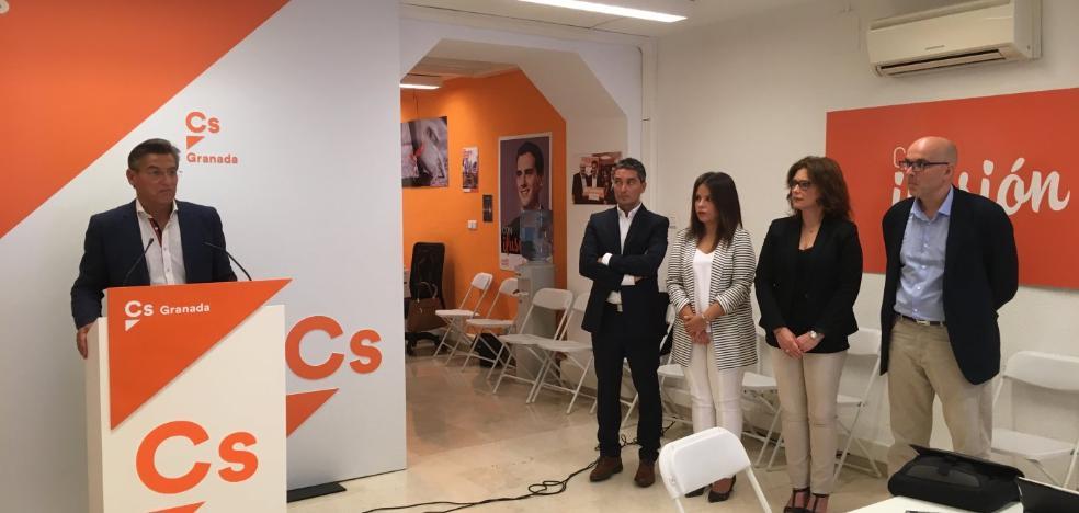 Ciudadanos pide la dimisión del alcalde y el PP le ofrecerá hoy una moción de censura firmada