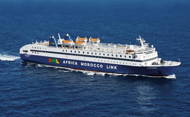 Una naviera marroquí relevará a Armas y Baleària en la ruta a Nador
