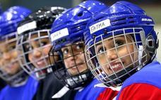 Las 'damas de hielo' de Kuwait preparan su primer torneo internacional