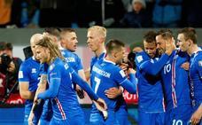 Islandia se convierte en el país menos poblado en la historia de los mundiales