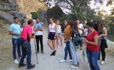 La Diputación de Granada enseña la provincia a cien estudiantes universitarios