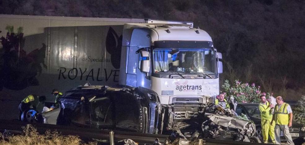 Terrible accidente en cadena en Murcia: muere una familia entera y detienen al camionero