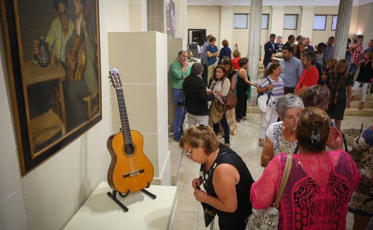 La tradición guitarrera de la Casa Ferrer se muestra en la Fundación Rodríguez-Acosta