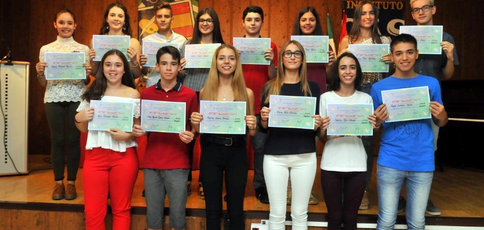 El IES Cástulo inaugura el curso y reconoce a sus mejores alumnos