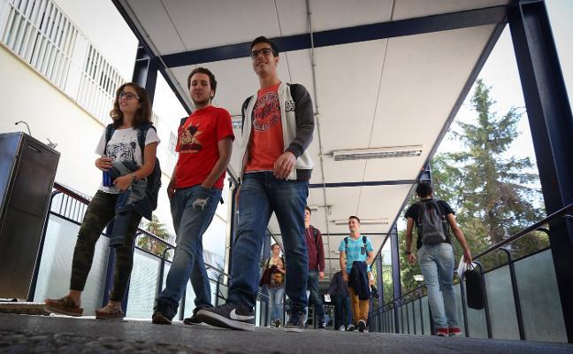 La UGR frena la pérdida de estudiantes y se sitúa por encima de los 46.500