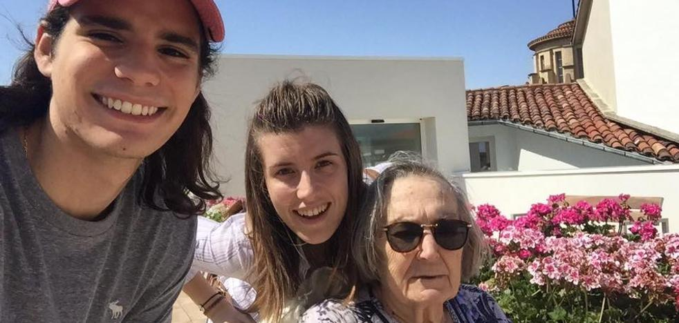 Los jóvenes de Jaén ya pueden 'adoptar a un abuelo'